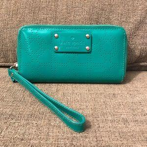 Kate Spade Green Wristlet Wallet